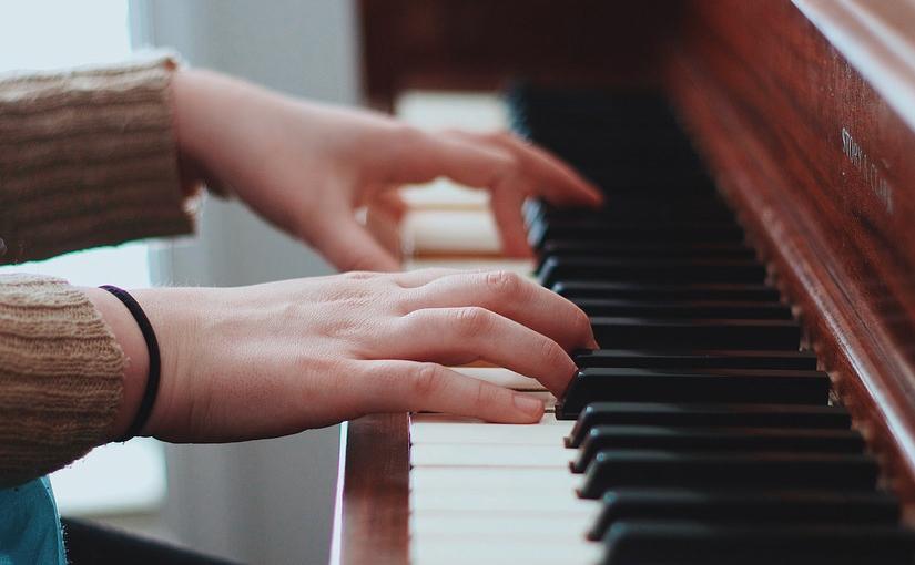 ピアノ入門コースで憧れの曲に挑戦☝️